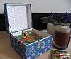 shkatulka-dlya-chainyh-paketikov-s-vyshivkoi-tea-time.jpg