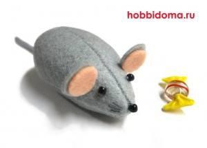 Мышь из ткани