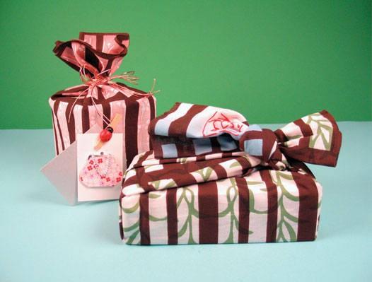 Упаковка новогоднего подарка  тапочки онлайн обучение